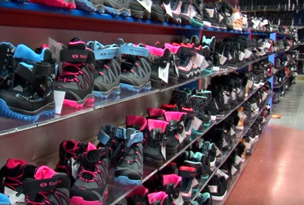 Продажа поддельной спортивной обуви привела на скамью подсудимых